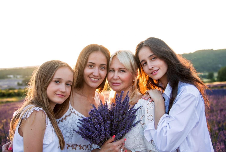 photo-portraits-de-famille-mere-et-fille-modele-a-avignon-vaucluse-84000-stephane-ruel-photographe-professionnel-avignon-vaucluse-provence