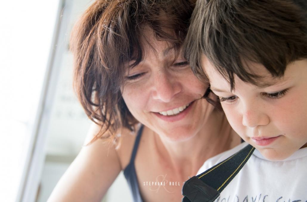 photo-de-famille-portrait-maman-fils-avignon-vaucluse-provence