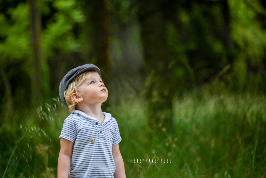 incroyable-photo-en-noir-et-blanc-enfant-a-avignon-vaucluse-84000-photographe-professionnel-avignon-vaucluse-provence