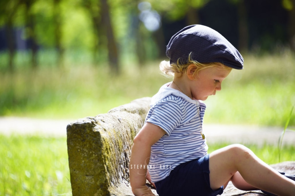 photo-ancienne-regard-d-un-portrait-enfant-a-avignon-vaucluse-84000-stephane-ruel-photographe-professionnel-avignon-vaucluse-provence