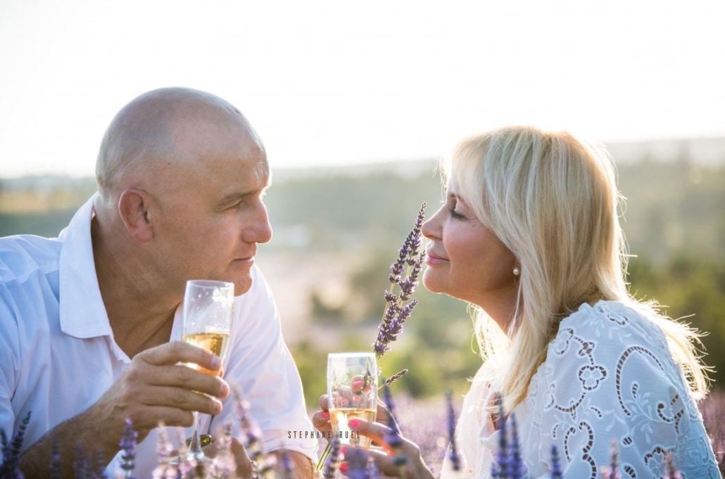 photo-couple--lavande-a-avignon-vaucluse-84000-photographe-avignon-vaucluse-provence