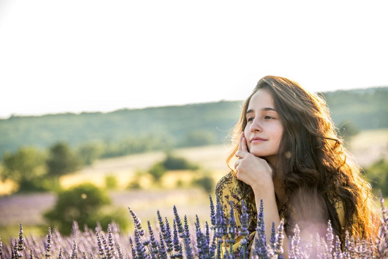 photo--top-modele-d-un-portrait-jeune-femme-a-avignon-vaucluse-84000-stephane-ruel-photographe-professionel-avignon-vaucluse-provence