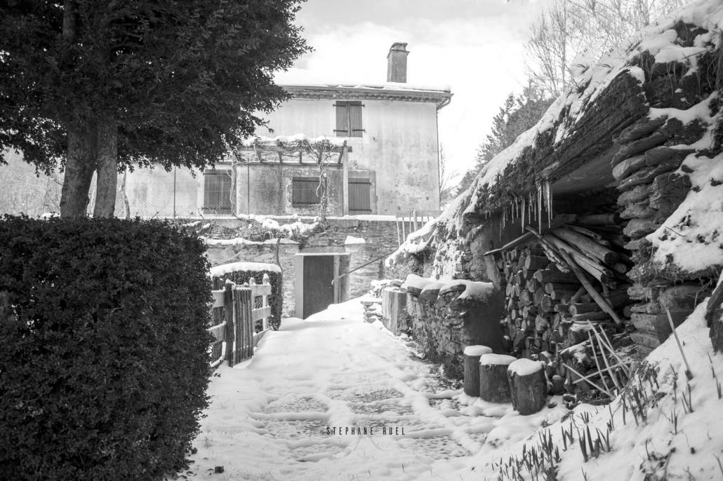 photo-vieille-maison-carte-postale-photographie-en-noir-et-blanc-a-avignon-vaucluse-84000-stephane-ruel-photographe-professionel